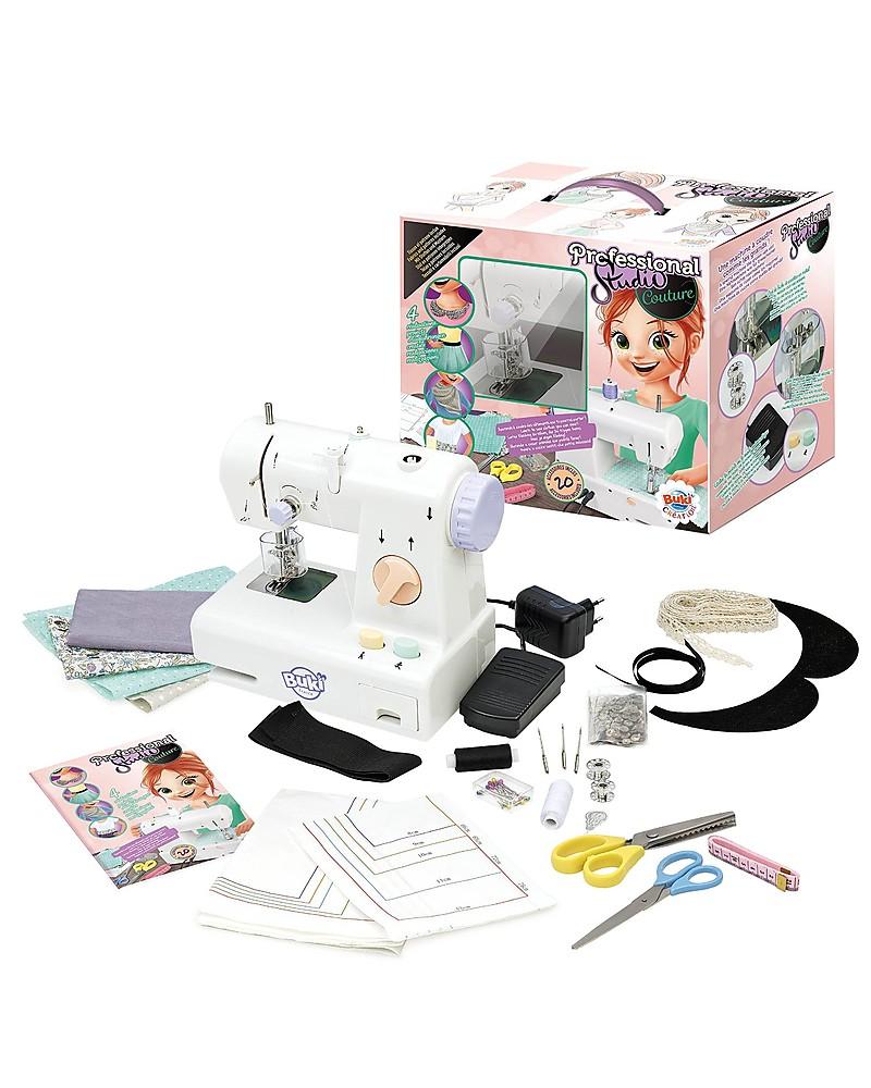 Buki macchina da cucire crea veri abiti con accessori for Macchina da cucire da tavolo