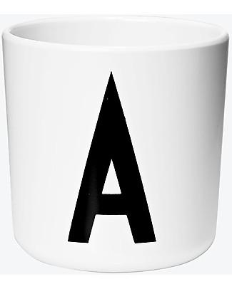 "Design Letters & Friends Bicchiere in Plastica con Lettera A-Z - Collezione ""AJ Vintage ABC"" by Arne Jacobsen Tazze e Bicchieri"