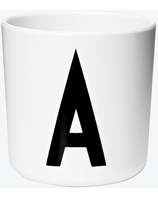 "Design Letters & Friends Bicchiere in Plastica con Lettera A-Z – Collezione ""AJ Vintage ABC"" by Arne Jacobsen Tazze e Bicchieri"