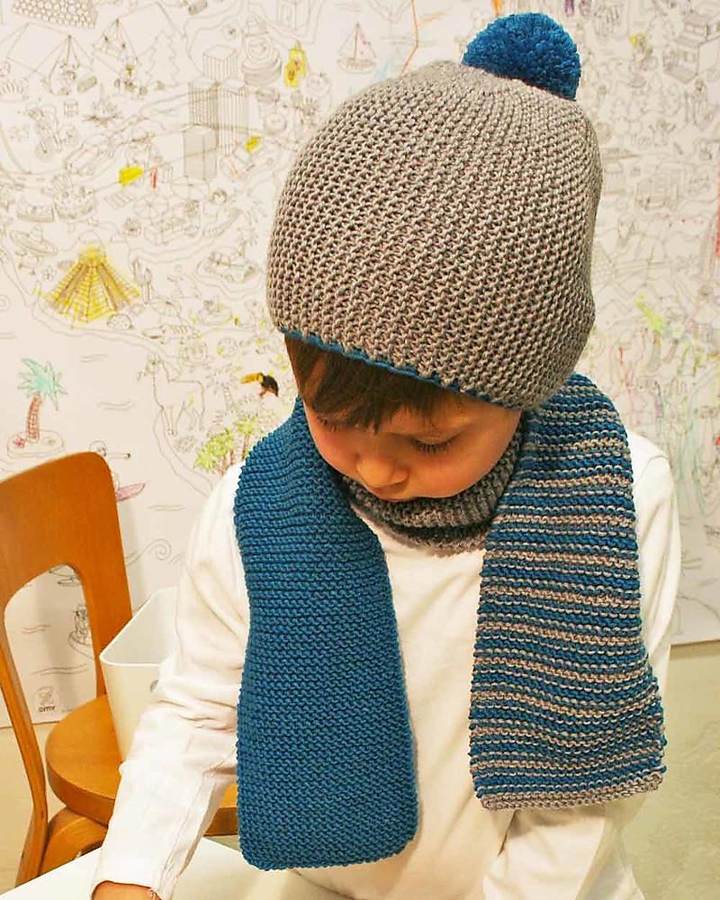 Family Nation + BettaKnit Kit Maglia Fai da Te Sciarpa e Cappello Old  School Blu – f0593a763751