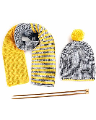 Family Nation + BettaKnit Kit Maglia Fai da Te Sciarpa e Cappello Old School Giallo – 100% Lana Merino Sciarpe e Mantelle