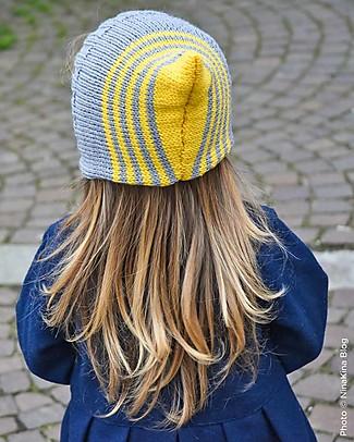 Family Nation + BettaKnit Kit Maglia Fai da Te Sciarpa e Cappello Pixie Giallo – 100% Lana Merino Cappelli