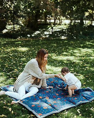 Little Unicorn Coperta Picnic Impermeabile 152 x 152 cm, Midnight Poppy - Facile chiusura a strappo e tracolla! Accessori