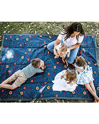 Little Unicorn Coperta Picnic Impermeabile XL 152 x 213 cm, Midnight Poppy - Facile chiusura a strappo e tracolla! Accessori