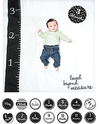 Lulujo Baby Kit Primo Anno - Copertina Swaddle in Mussola di Cotone + 14 Cards, Loved Beyond Measure - Per i bebé più social! Copertine Swaddles