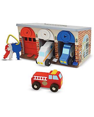 Melissa & Doug Il Garage dei Mezzi di Soccorso - Con 3 veicoli in legno inclusi! Construzioni In Legno