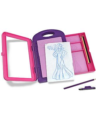 Melissa & Doug Kit Stilista di Moda -  Include 4 Matite Colorate - 14 Pezzi - Ideale anche in viaggio! Kit Fai Da Te