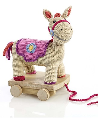 Pebble Cavallino con Ruote da Trascinare - Rosa/Panna - 30 cm - Fair Trade Pupazzi Crochet