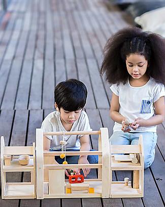 PlanToys Case delle Bambole in Legno Slide n Go - Portatile con Mobili inclusi Case delle Bambole
