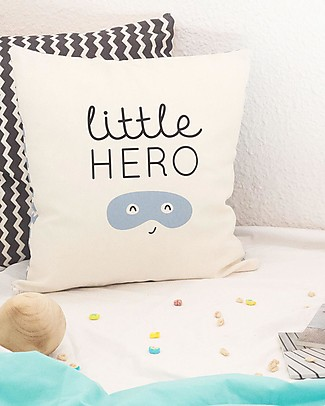 "UO Federa cuscino ""Little Hero""  null"
