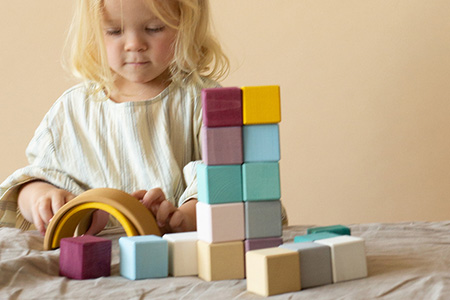Vendita Giochi educativi, ecologici e sicuri per bambini e neonati online